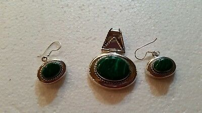 Beautiful MEXICAN NICKEL SILVER Malachite oval, Pendent & earrings