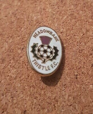 Meadowbank   Thistle   F c  -   Old  Football  Pin  Badge