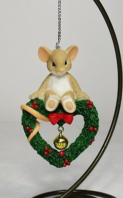 Nib Charming Tails #130448 2017 Annual Christmas Ornament Mouse On Heart Wreath