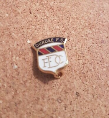 Dundee  F c  -   Old  Football  Pin  Badge