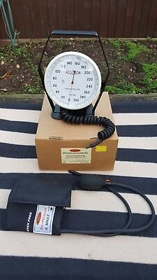 Accoson Sphygmomanometer 6 Inch Aneroid Desk Model