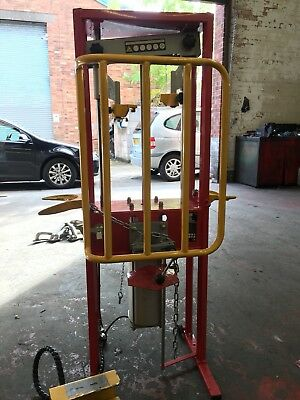 Sealey RE300 Coil Spring Compressor - Air Operated 1000kg - Used, good condition