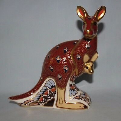 Royal Crown Derby paperweight Australian Collection Kangaroo GOLD STOPPER + Box