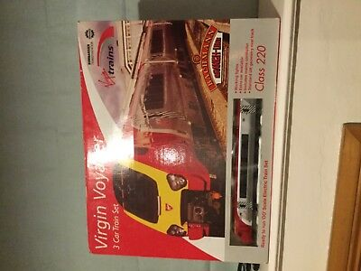 VIrgin Voyager 3 Car Train Set Class 220 Standard Oval Track OO Scale Electric
