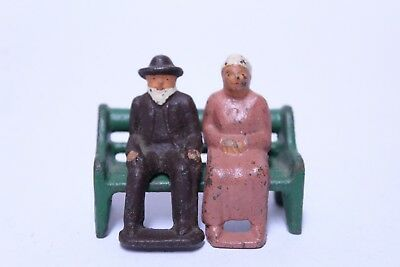 Nice Vintage Barclay Manoil Lead Elder Couple Man & Woman On Park Bench