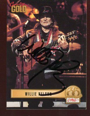 WILLIE NELSON autograph HAND SIGNED 6108