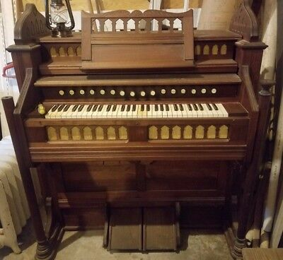 1903 Estey Organ in Fair Condition,16 stops