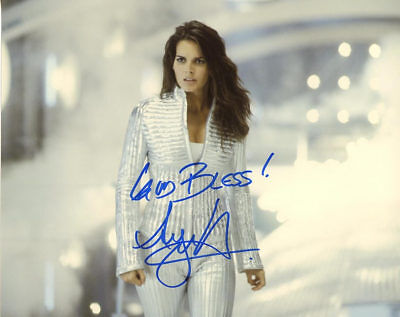 Angie Harmon AGENT CODY BANKS In Person Signed Photo  UACC