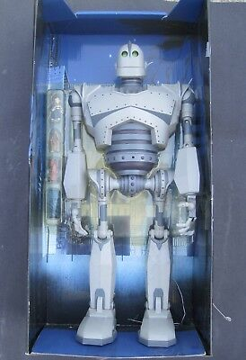 "20"" Electronic ULTIMATE IRON GIANT Figure, Complete & Working  Trendmasters 1999"