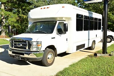 2012 Ford Cutaway V with Wheelchair Lift; Handicapped Accessible!!!