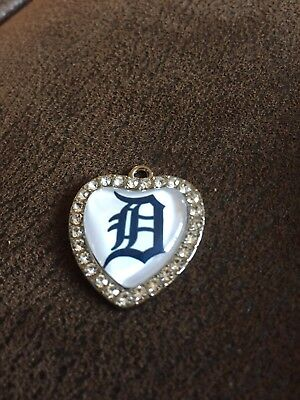 DETROIT TIGERS  Heart Shaped Pendant For Necklace Crystals MLB Baseball