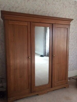 Lovely Solid antique pine wardrobe - Linen Press