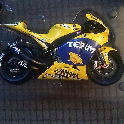 MINICHAMPS 122 063046 YAMAHA YZR-M1  1st issue French Gp conversion