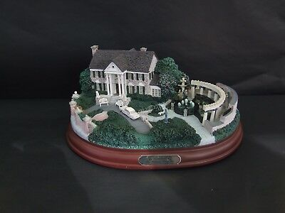 "Hawthorne Village Masterpiece Limited Edition - Graceland ""His Memory Lives On"""