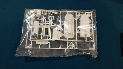 WOW!  Sea Doo 1/25 MODEL KIT PARTS WITH TRAILER SEALED BAG