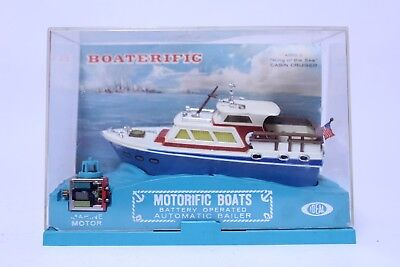 Vintage Ideal Motorific Boaterific King Of The Sea White Cabin Cruiser W/ Case