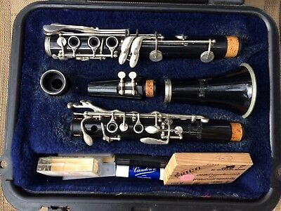 Preowned Clarinet Selmer USA CL300