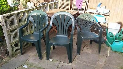 Garden chairs x 6, 3 green and 3 white