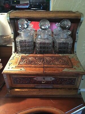 English Oak And Crystal Tantalus Set from 1899