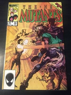 "New Mutants#30 Incredible Condition 9.0(1985)"" Secret Wars ll"""