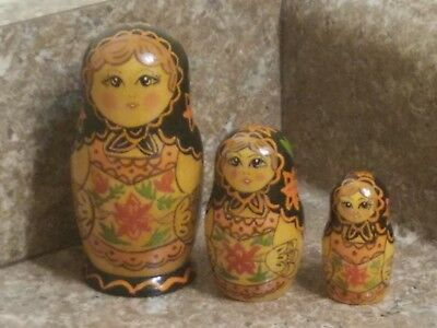 Vintage 3 Piece Russian Nesting Doll