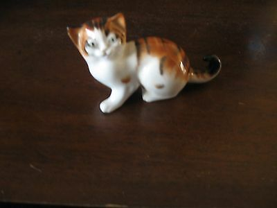 Royal Doulton Kitten Entitled Character Kitten, Looking Up,  Hn2854 (1)