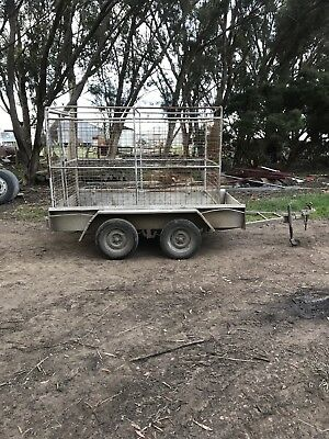 Tandem Trailer And Stock Crate