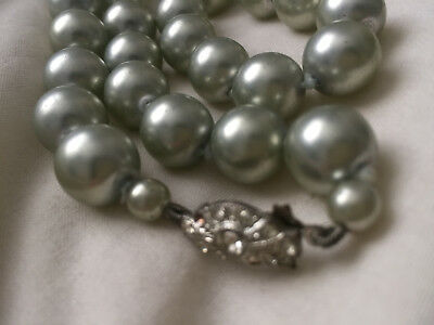 VINTAGE 1 Strand Green Faux Pearl Necklace - diamante beaded clasp