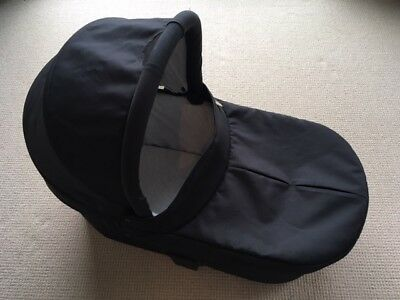 Mamas and Papas Carrycot in excellent condition