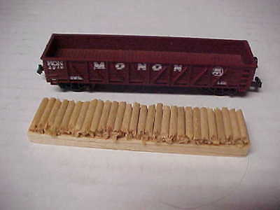 N Scale Monon Gondola With Removable Pulpwood Load #1