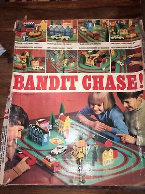 Triang spot on magicar bandit chase