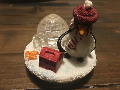 Penguin & Igloo Candle Topper from Yankee Candle - Will fit Large & Med Jars