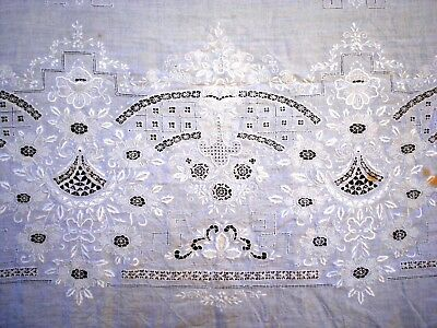 Antique Vtg Early 1900's Flower floral hand Embroidered laced lace Tablecloth