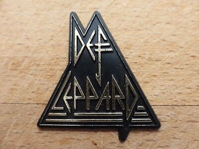 Vintage Def Leppard plastic pin badge Heavy rock metal Music Band