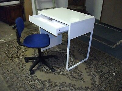 White Childs Desk And Swivel Chair