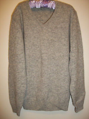 Uniqlo Childs Size 7-8 Cashmere Sweater Light Heather Gray V-Neck Long Sleeve
