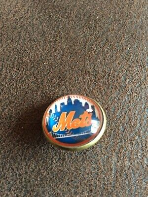 NEW YORK METS Baseball MLB Unique Top Quality Pin Badge Glass Fronted