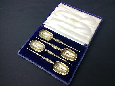 Cased Set of 4 Solid Silver Gilt Anointing Spoons - 1910/11