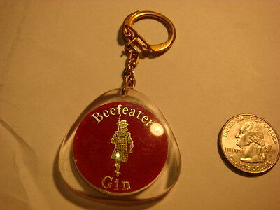 BEEFEATER KEY CHAIN LONDON DRY GIN  Vintage Keychain Keyring  Queen Elizabeth P