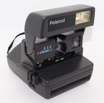 Polaroid 636 Close Up Instant Camera with box and manual, plus new 600 film VGC