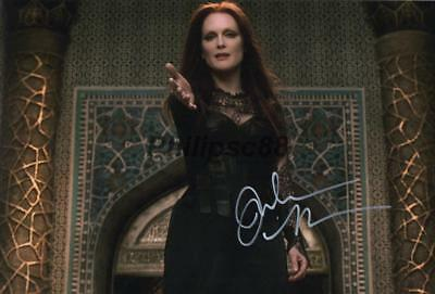 "Julianne Moore Genuine signed 12x8"" photograph"