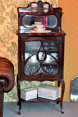 Edwardian Mahogany Display Cabinet with Shelf and Mirrored back.