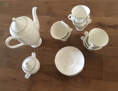 Wedgewood Platinum Signet: tea/coffee pot, sugar pot, tea cups and saucers