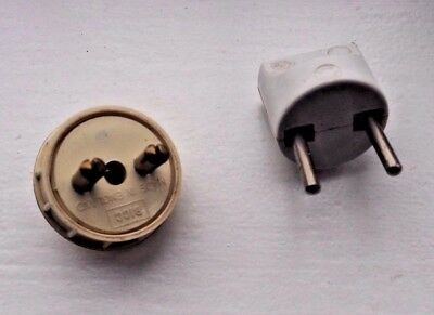 Vintage 2 pin Plug BICC & Adapter 3 Amp max Both Made in England & plastic