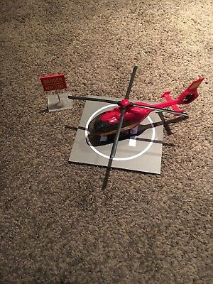 1/32 air ambulance, helicopter pad and danger sign