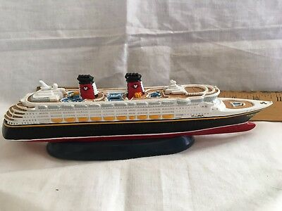 Official Genuine Disney Cruise Line DCL Scale Model Ship Replica MAGIC - NEW