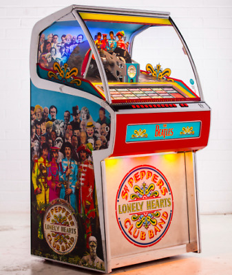 Rocket Vinyl Jukebox 70 45s and Bluetooth - The Beatles Sgt Peppers Lonely Heart