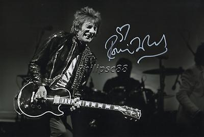 Ronnie Wood Genuine Autographed 12x8inch photograph