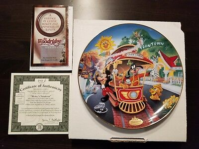"""Disney Plate - """"Mickey's Toontown"""" - Mint in Box - Cert of Auth. - Bradford Exch"""