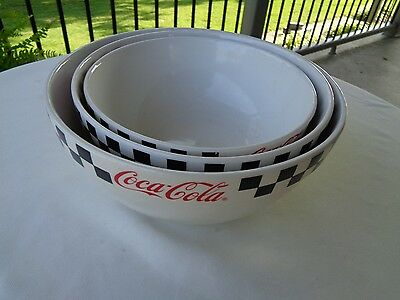 Gibson 2002 Coca - cola white with black checkered rim set of 3 mixing bowls